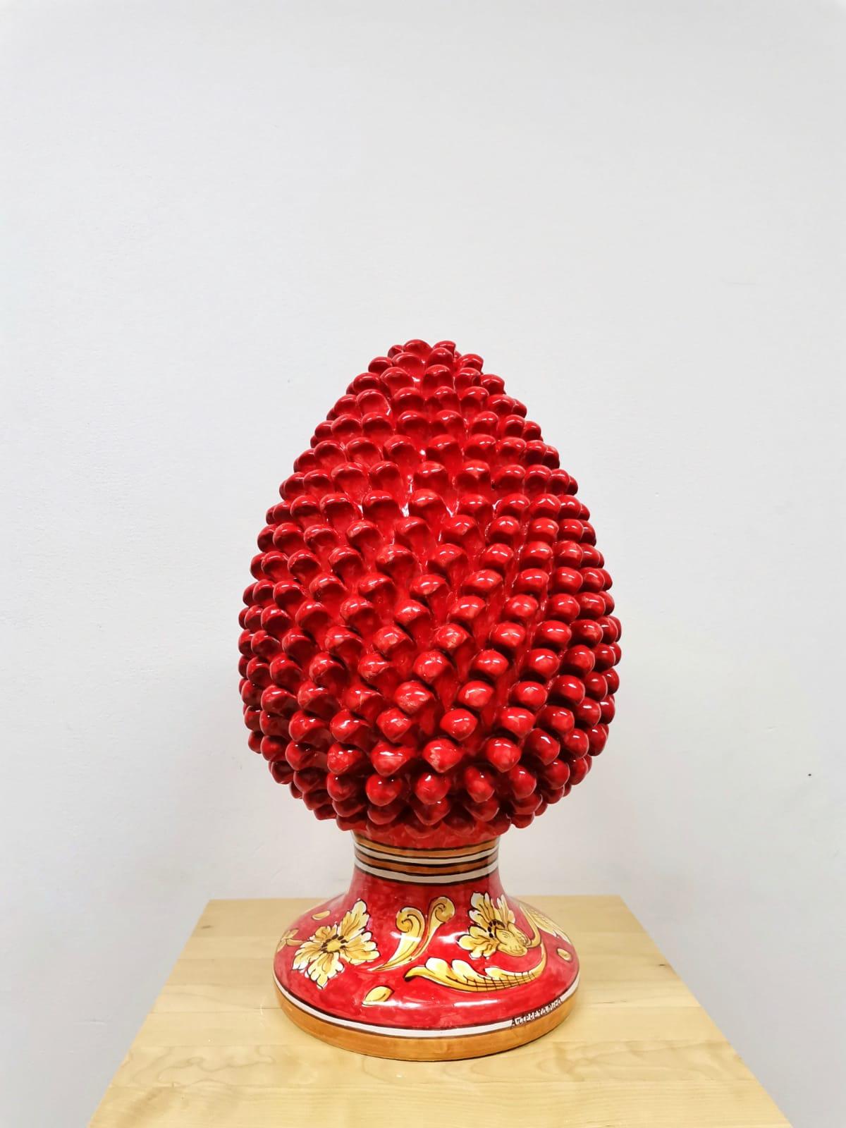 Pigna Rossa Con Piede Decorata